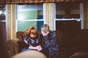 10 cosas que puedes decir en lugar de «deja de llorar»